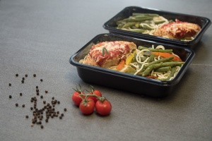 CiMa-Pak offers a wide variety of CPET black plastic meal prep containers. With different tray dimensions and number of compartments, we have the food packaging supplies that you're looking for.