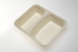 Our OK4 Series trays are 100% compostable.  The OK42227-2 is a TWO compartment, take away tray for ready meals in schools, senior meal to go, or institutional kitchens.