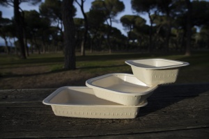 CiMa-Pak trays are either made from compostable material or completely recyclable CPET.  <br />